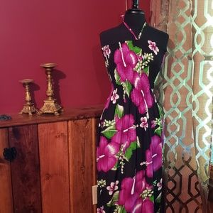 Dresses & Skirts - Beautiful Hawaiian Dress! Black and hot pink!